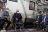 در سفر به استان اصفهان؛ رئیس دانشگاه آزاد اسلامی با خانواده شهید حججی دیدار کرد